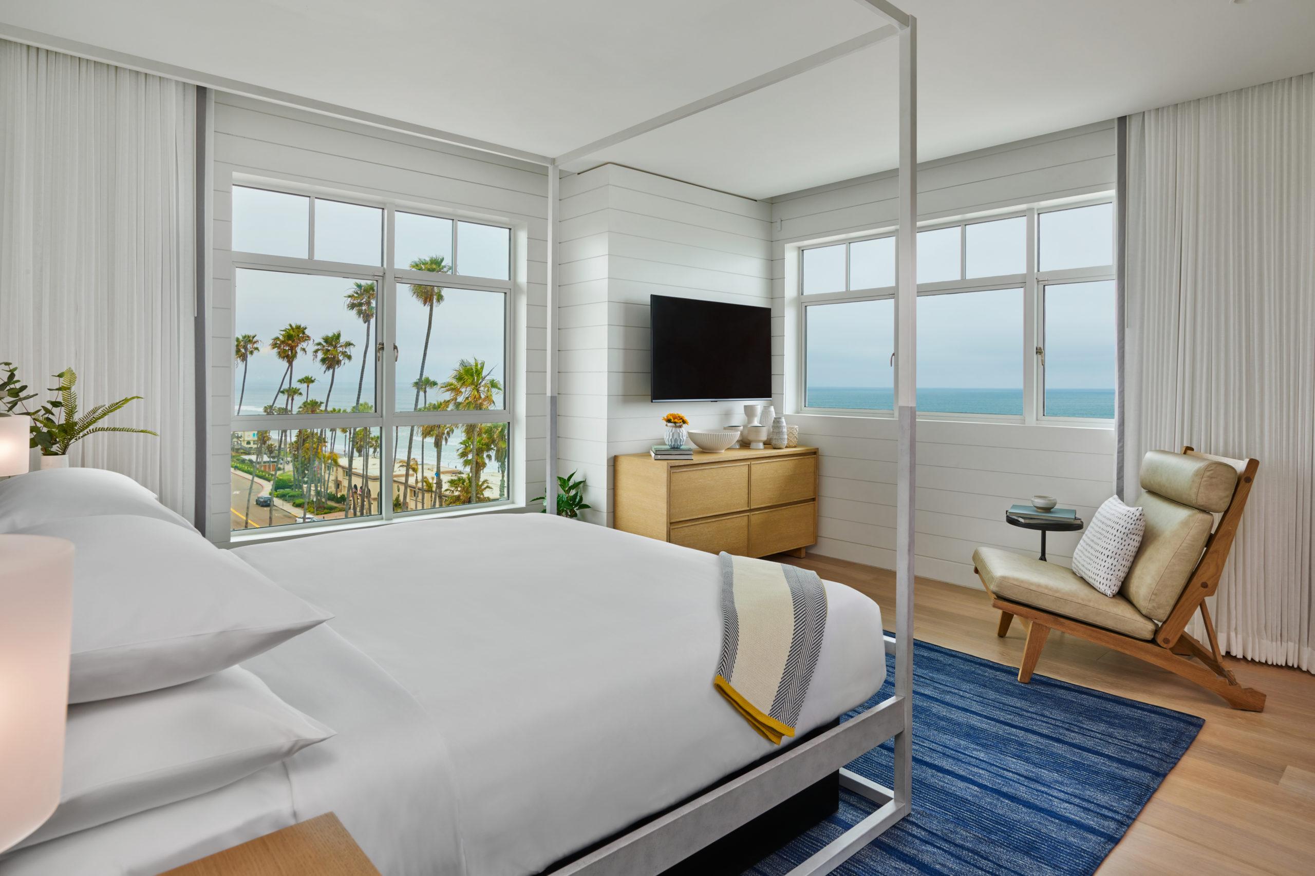 Bedroom Sando TV