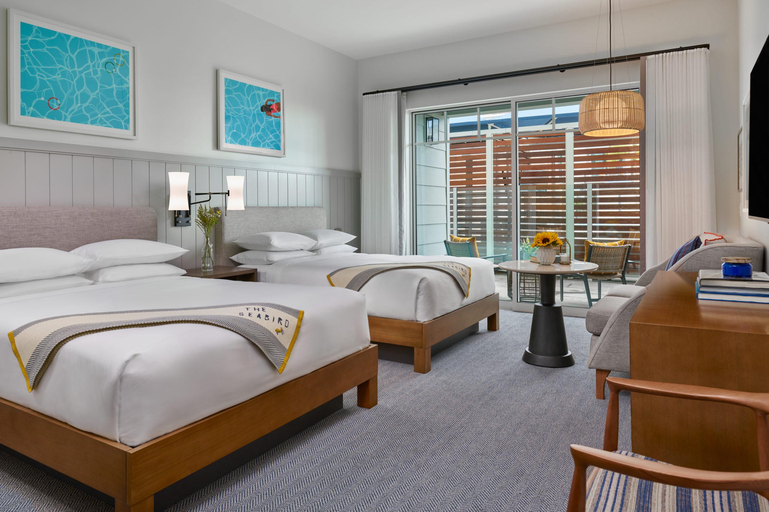 Queen bed poolside SANDO room